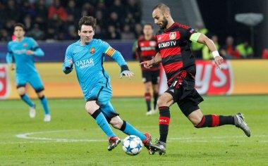 Lionel Messi and Omer Toprak