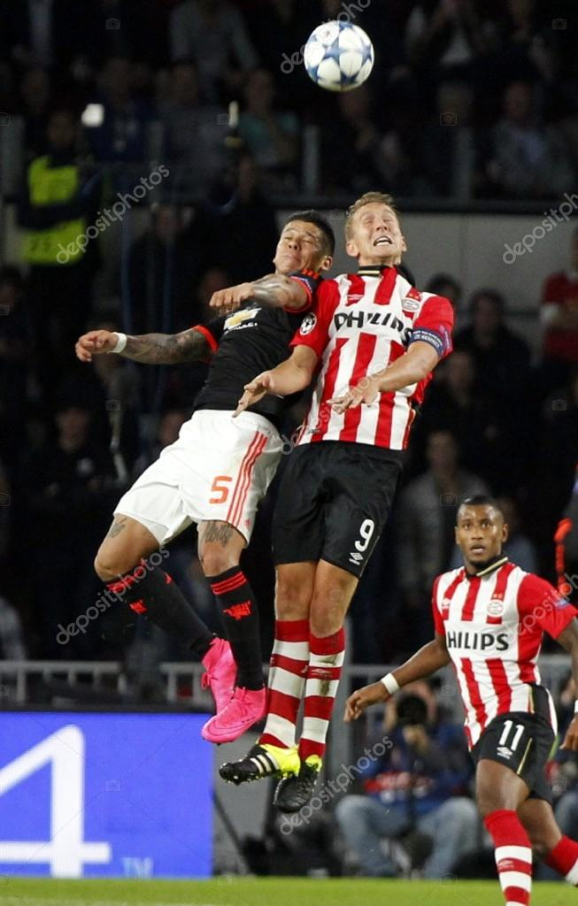 Luuk de Jong PSV Eindhoven and Marcos Rojo Manchester United — Foto ...