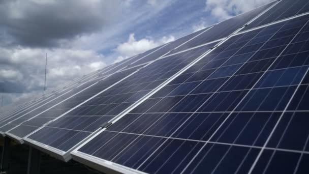 Solární elektrárna. solární panely