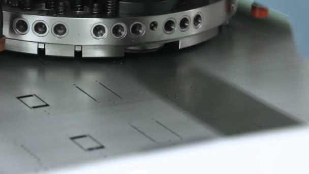 Automatische Maschine. Metallurgische Produktion.