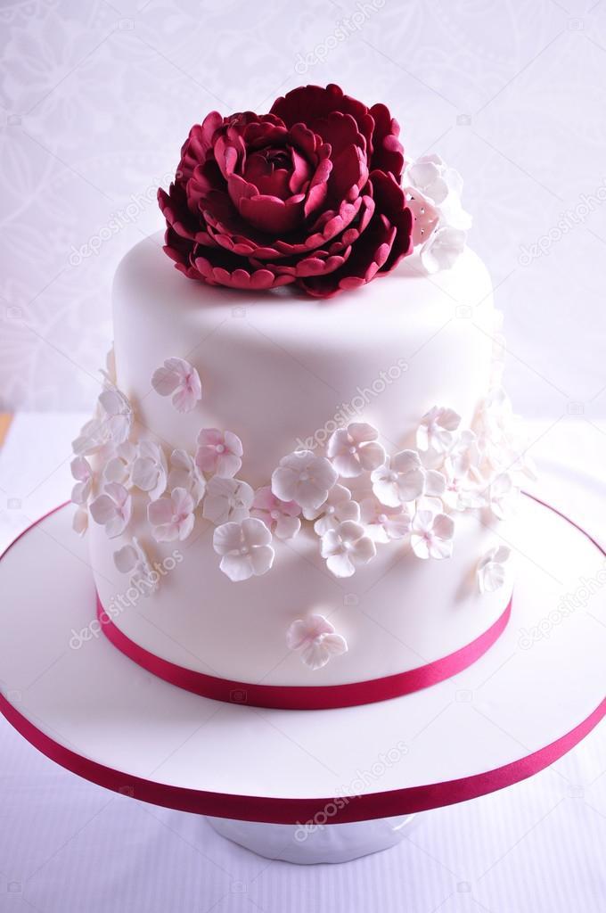 gyönyörű torta képek Gyönyörű esküvői torta — Stock Fotó © OksanaBESS #91179414 gyönyörű torta képek