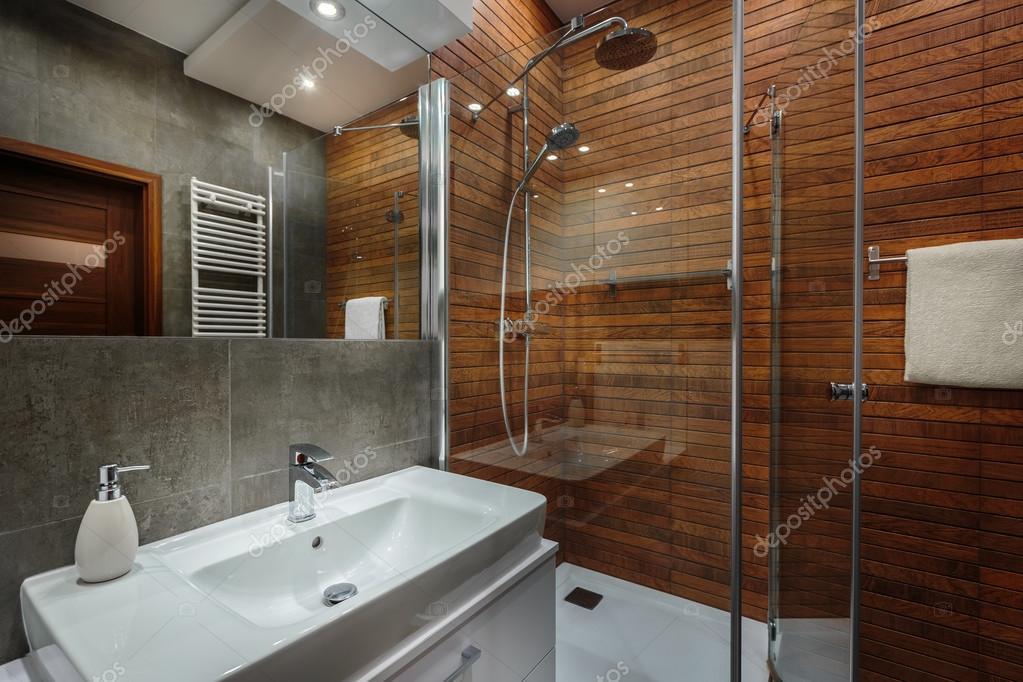 Holzwand Im Badezimmer Stockfoto C In4mal 112360248