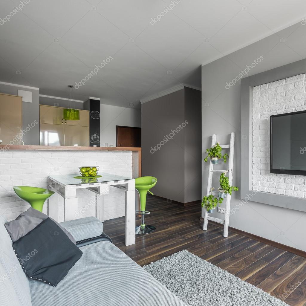 Klein, aber funktional moderne Wohnung — Stockfoto © in4mal #115937222