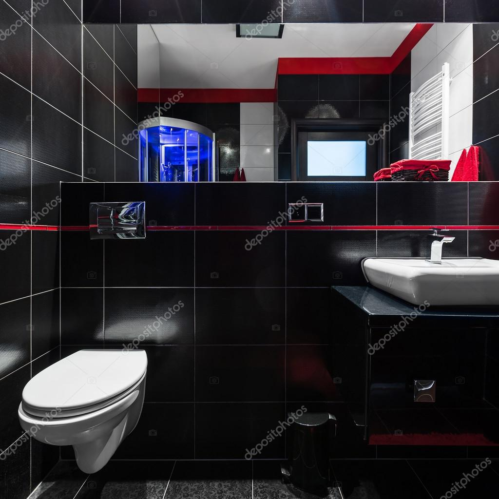 Elegante zwarte tegels in de badkamer — Stockfoto © in4mal #117275716