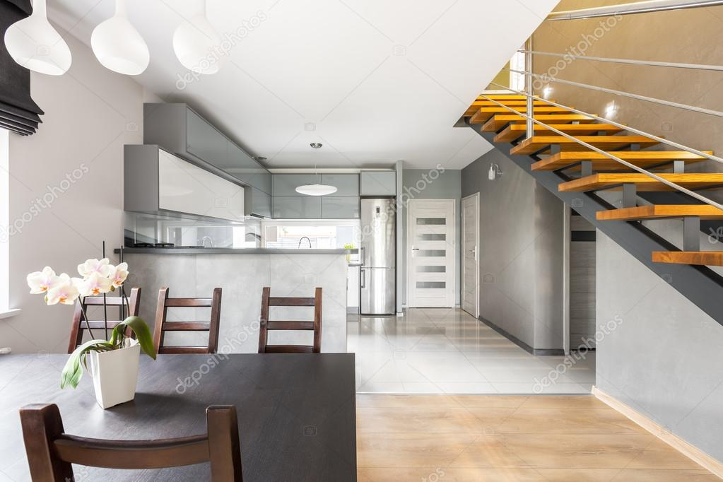 Funktionale Villa Interieur mit Treppe Idee — Stockfoto © in4mal ...