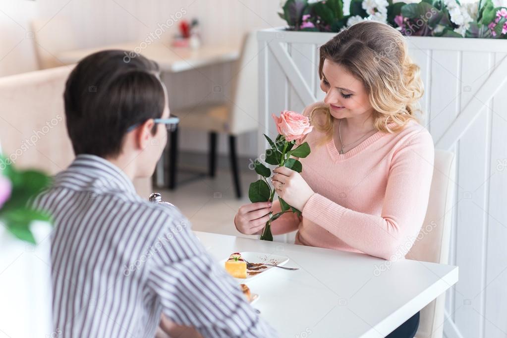 rande pouštní růže
