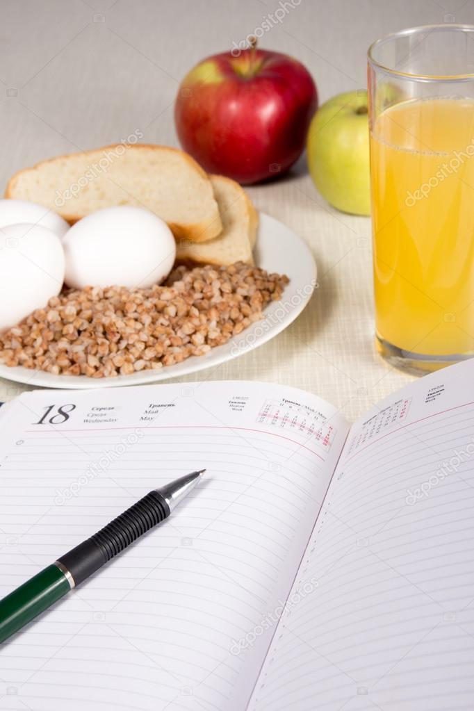 Диета яйцо и овощи можно яблоко