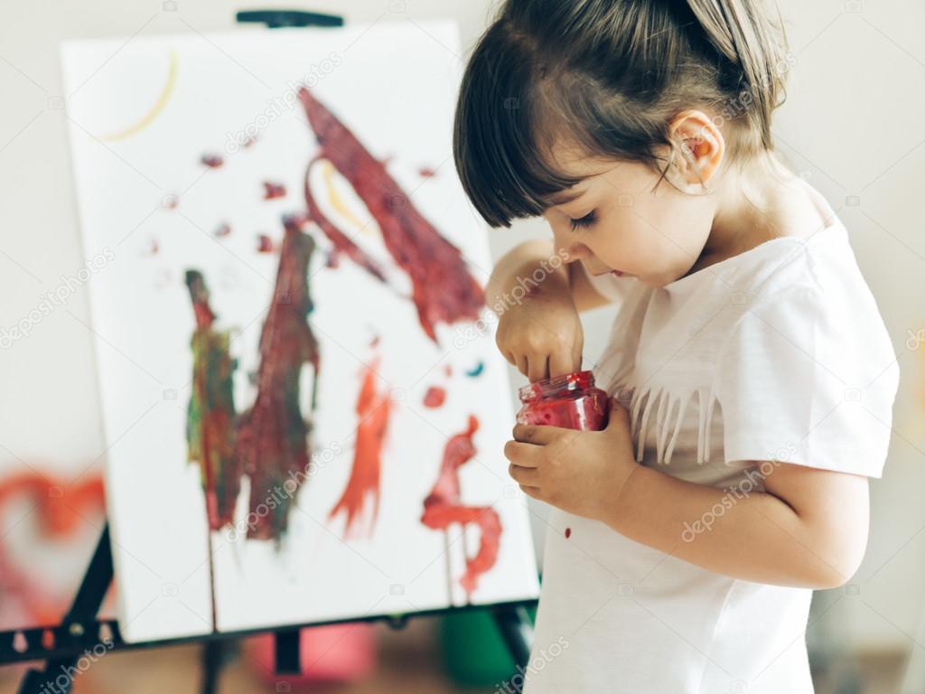 Little child painting