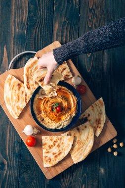 Homemade hummus with pita bread