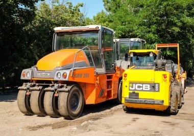 Special road machinery for asphalting construction works