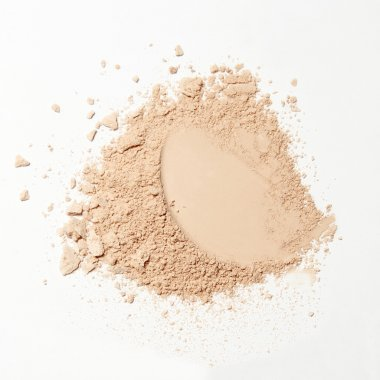 crumbled natural powder make up