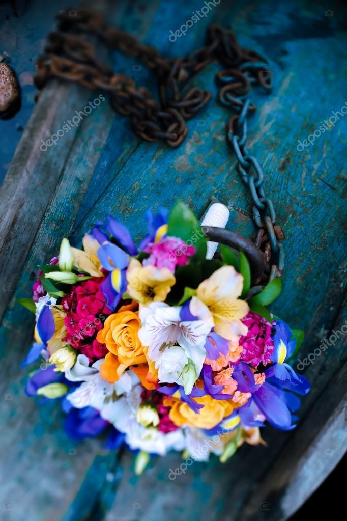 Букет цветов с игрушками фото