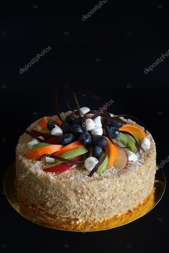 Kuchen Aus Blatterteig Mit Pudding Und Obst Stockfoto C Z Vica