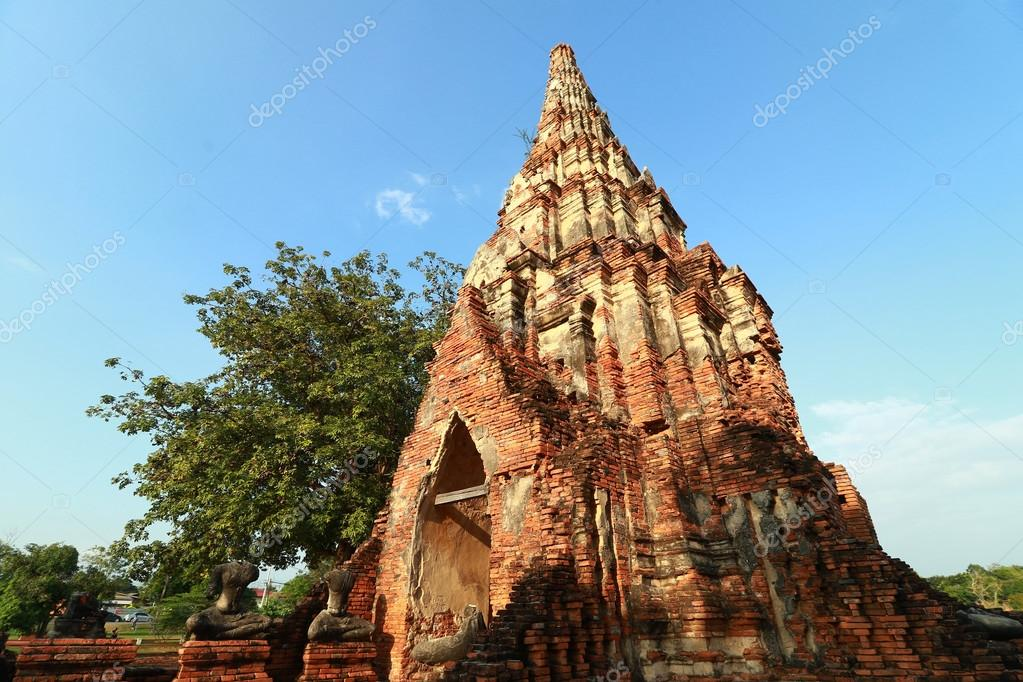 Pagoda Of Wat Chaiwatthanaram the temple in Ayutthaya, Thailand