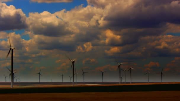 Západ slunce a větrné turbíny, časová prodleva, statický záběr, 4k