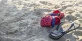 Fotografie Plastové fanda propadne na pláži