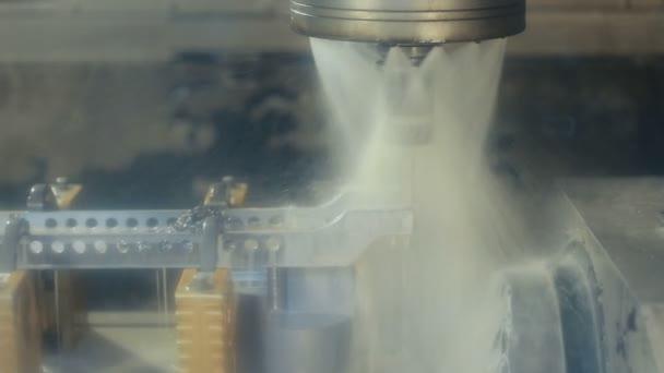 Macchina di lavorazione dei metalli con sistema idraulico