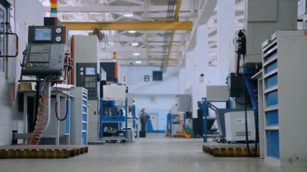 Industrielle Produktion. Werk mit vielen Maschinen
