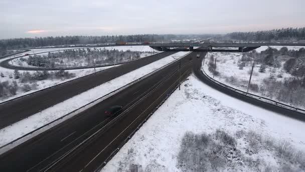Dálniční silniční provoz v zimě