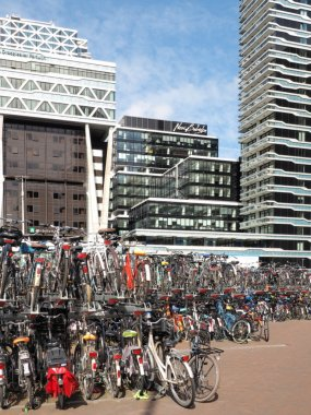 Crowded two level bicycle storage for commuters