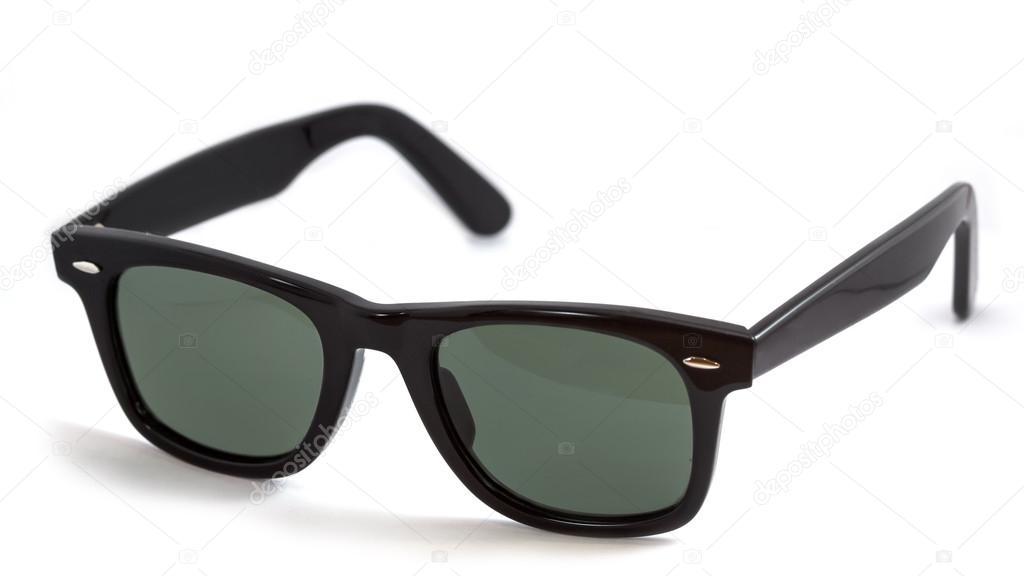 Elszigetelt fehér Wayfarer napszemüveg — Stock Fotó © tellan.dm ... 8aa1a6426b