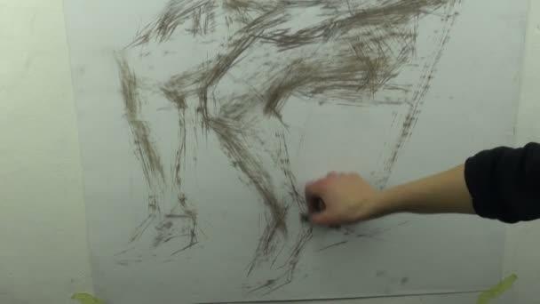 Nakresli rychle volnou náčrt spodní části nahé ženy