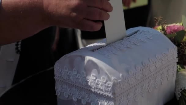 Wedding money to basket