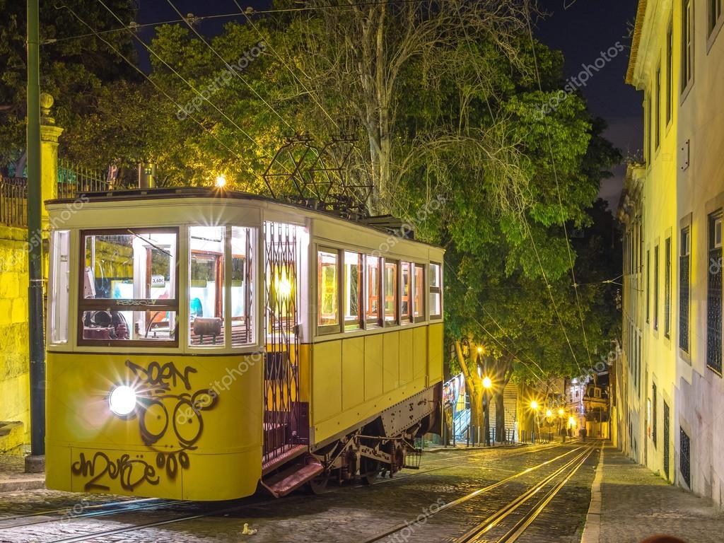 Обои lisbon, трамвай, ночь. Города foto 17