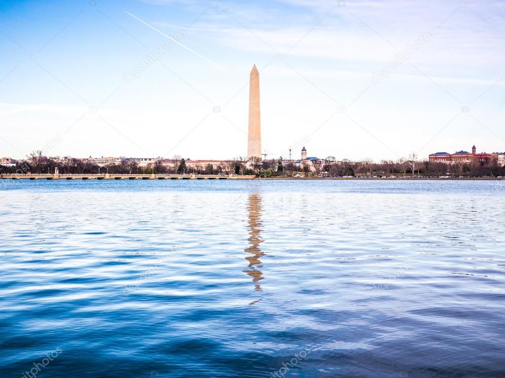 Le riflessioni del monumento di washington foto stock for Piani di washington