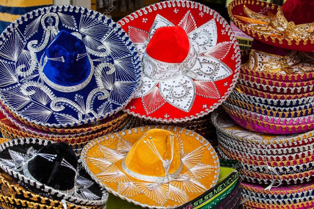 8735ce9ca3c08 Recuerdos de colorido sombrero mexicano en venta en Yucatan