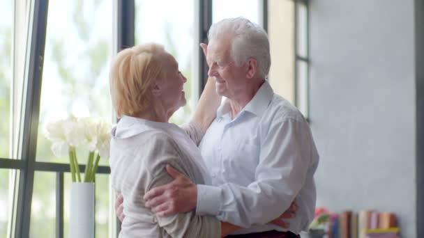 Ηλικιωμένοι σε απευθείας σύνδεση dating