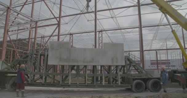 Jeřáb uvolní Betonová deska
