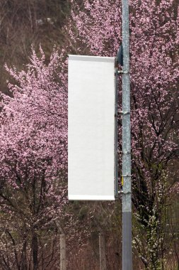 Blank roll outdoor banner