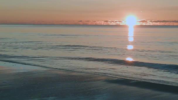 Západ slunce moře klidné a pokojné