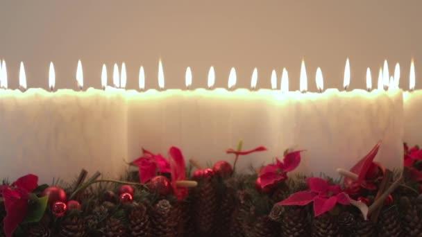 Domácí sada velké svíčky s mnoha plameny a dekorace pro Štědrý večer
