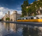 Sárga villamos Budapesten