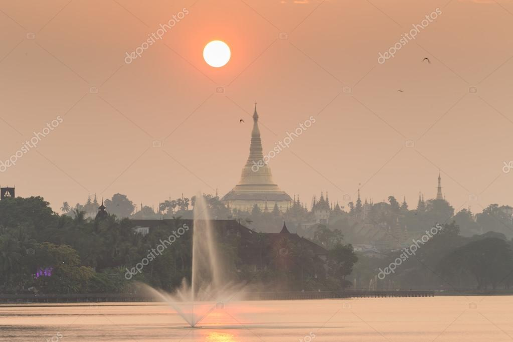 Shwedagon pagoda and fountains