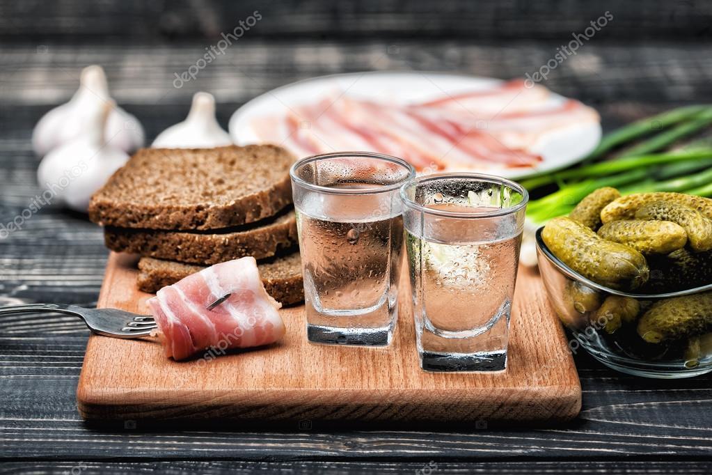 закуска и водка фото