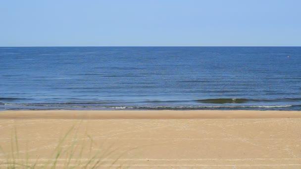 Vodní vlny moře a pláž