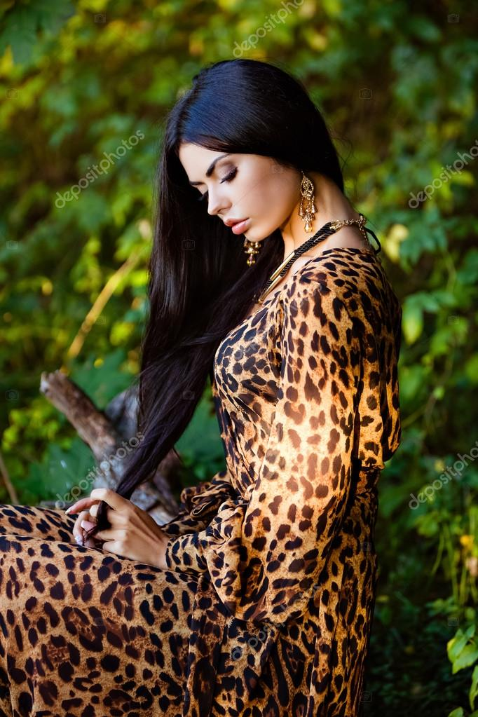Брюнетки в леопардовом фото