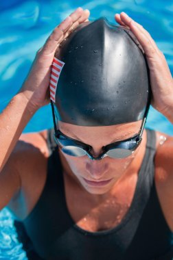 American swimmer getting ready before race
