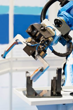 Robotic arm working