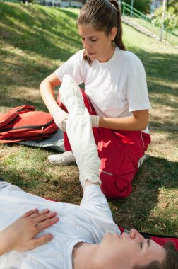 First aid treatment of injured patient