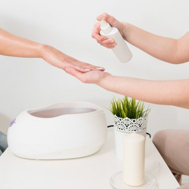 paraffin wax bath in beauty salon