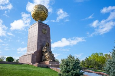 The Architectures of Uzbekistan