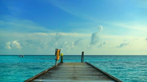 paluba na krásném Maledivy ostrov