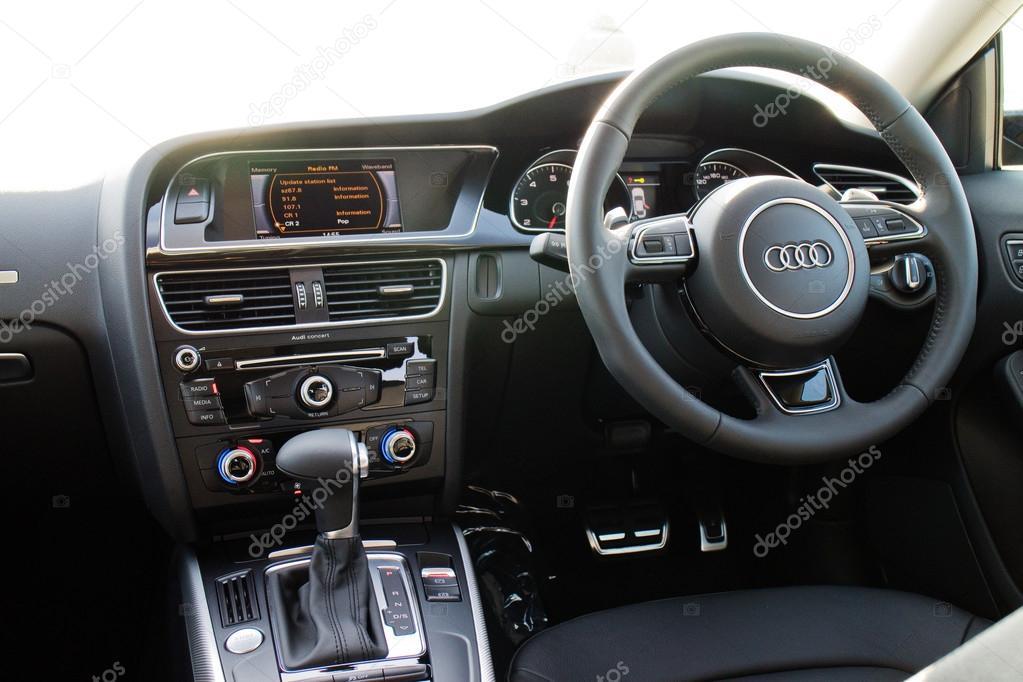 Audi A5-2015-Interieur — Redaktionelles Stockfoto © teddyleung ...