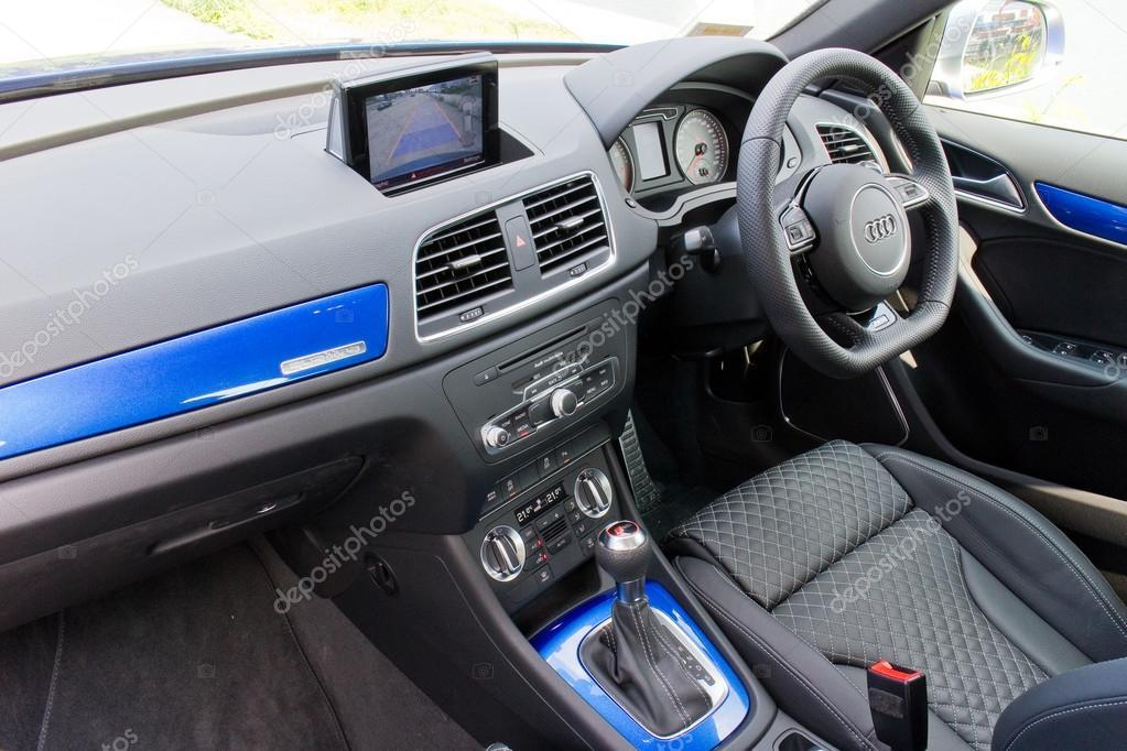 Audi Rs Q3 2014 Interieur — Redaktionelles Stockfoto © teddyleung ...