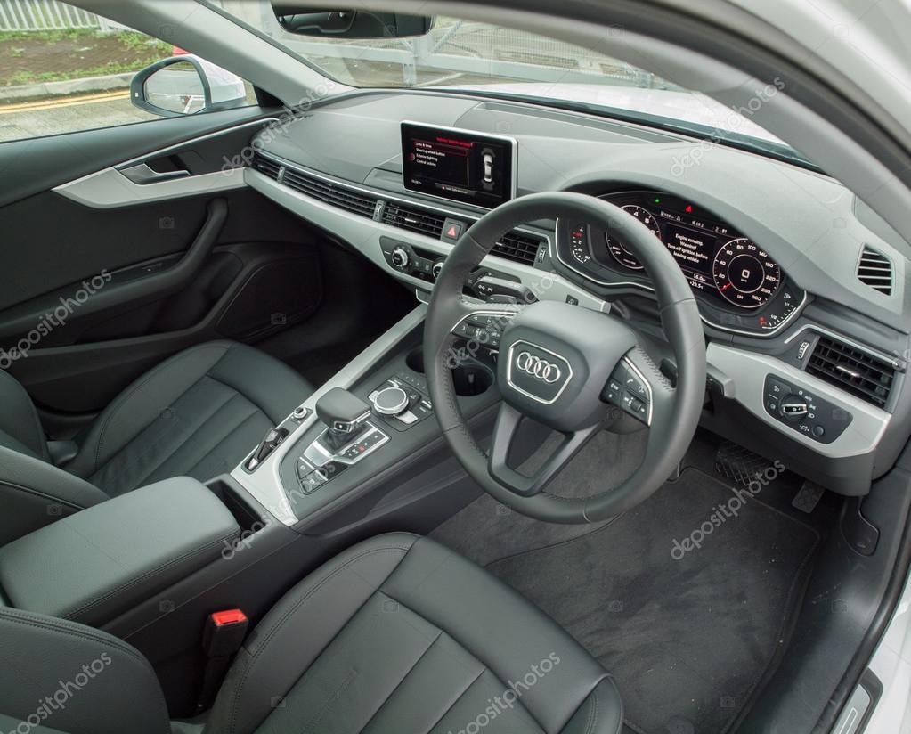 Audi A4 2016 Interior — Redaktionelles Stockfoto © teddyleung #123248100