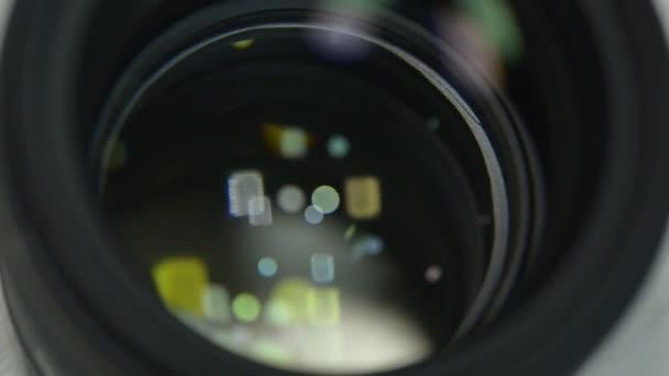 Irislinse, die sich öffnet und schließt